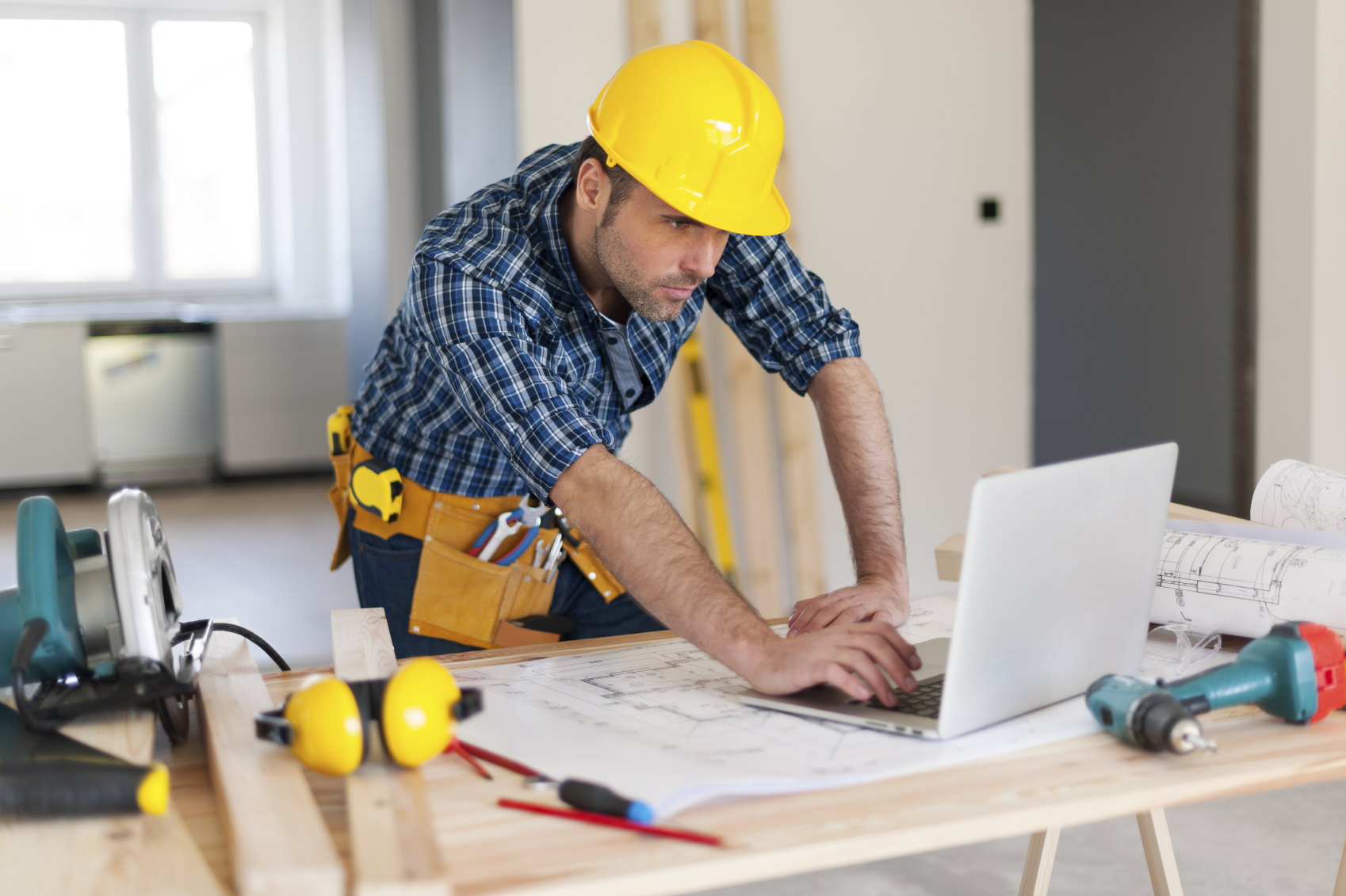 Construction for Contractors needed to build a house